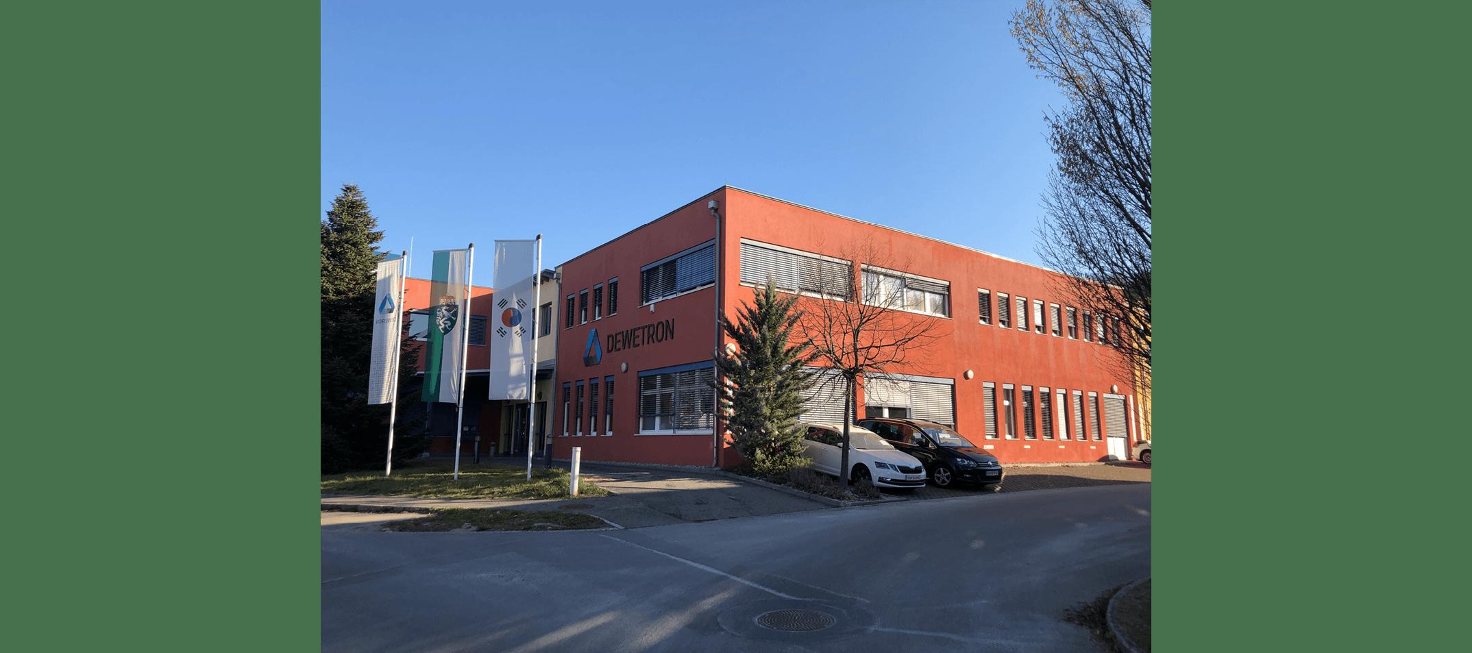 DEWETRON's leerer Firmenparkplatz während COVID-19